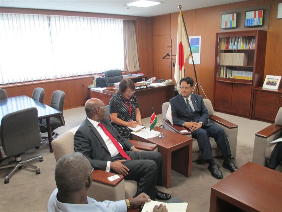 ケニア モハメド産業化・企業開発庁長官がお越しになりました。
