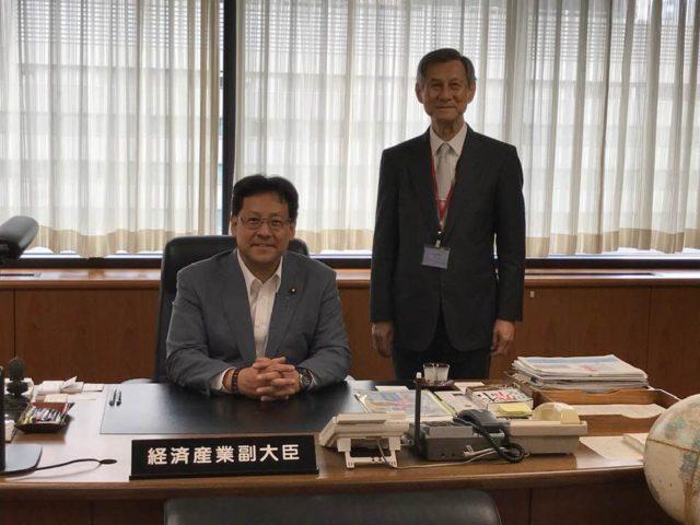 神戸真珠輸出促進協議会の尾川会長がお越しくださいました。