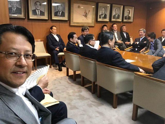自民党本部役員連絡会に参加しました。