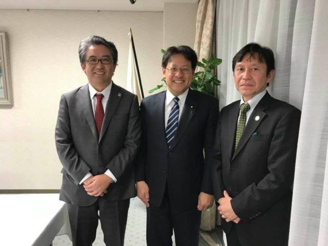 株式会社HIROTSUバイオサイエンスの広津崇亮社長と山口慶剛特命担当が来て下さいました。