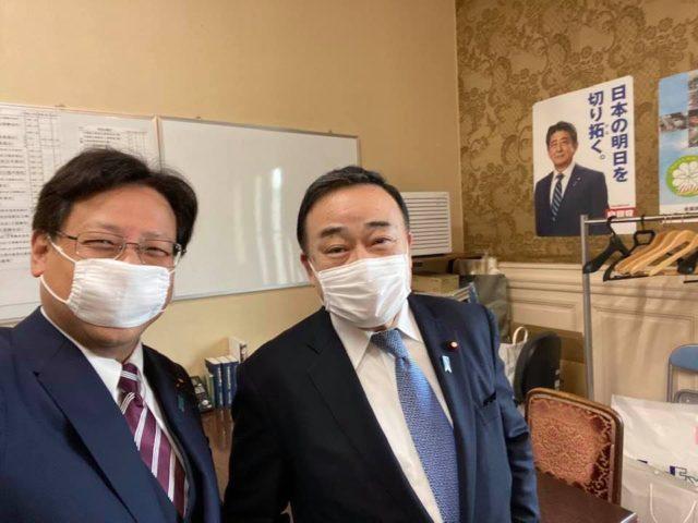 梶山経産大臣と。緊急事態宣言に向けて。