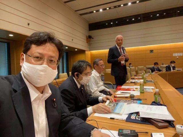 沖縄大学院大学のピーター・グルース学長と議論しました。