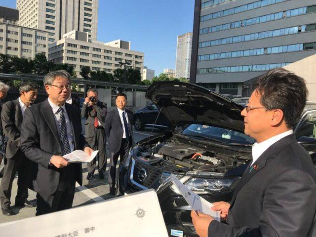 自動車の一般運転による道路の破損状況検知集積システムの開発状況について説明を受けました。