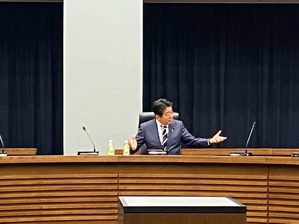 安倍晋三前総理がご講演下さいました。