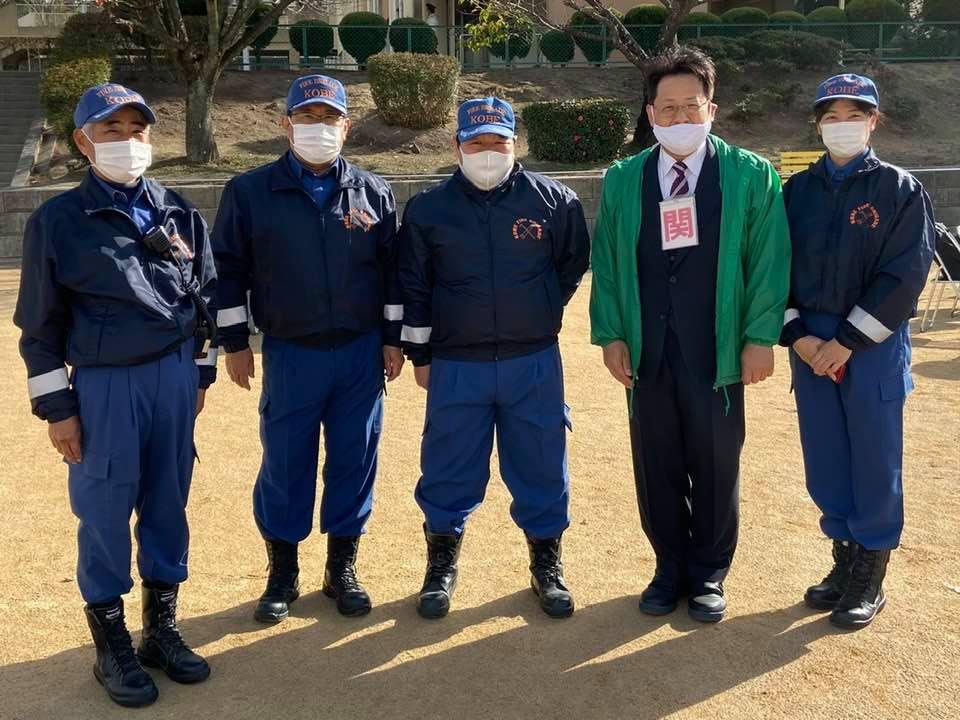 本多聞小学校の校庭で消防訓練が行われました。