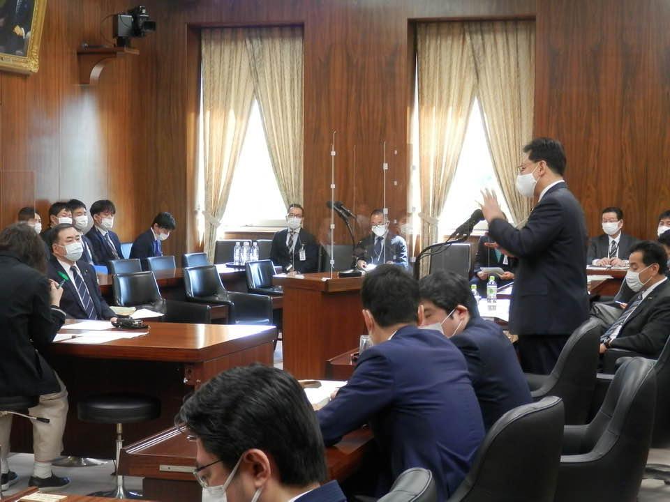 経済産業委員会で、トップバッターで質問を行いました。