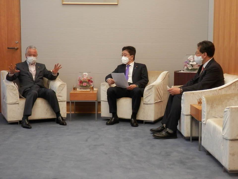 総理官邸で、加藤勝信・官房長官に‼️