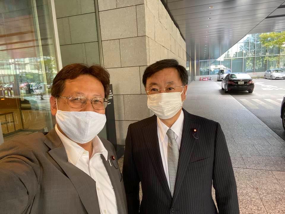 国会で、松野博一・官房長官と入口でバッタリ🤗🌸
