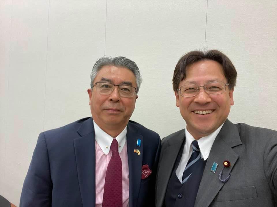 日本国の安全保障をいろいろな角度から調査を進めています。
