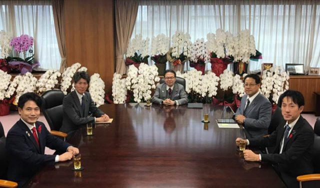 世耕経産大臣室での役職会議が開催されました。