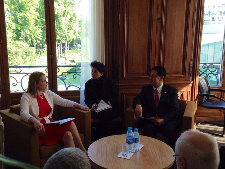 OECD大臣級会合の事務局次長と会談しました。