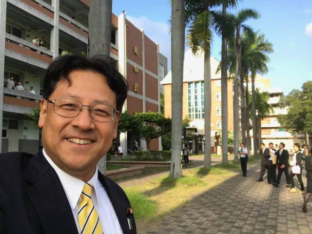 超党派議員連盟外交の一環として、台湾の建國中学に視察に来ています。