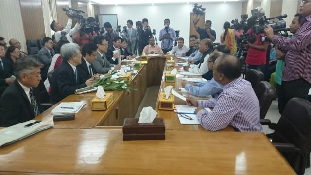 バングラデシュにて政府要人との会談を行いました。