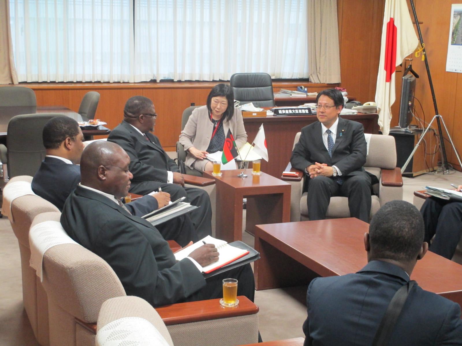 マラウイ共和国の資源エネルギー工業大臣にお会いしました。